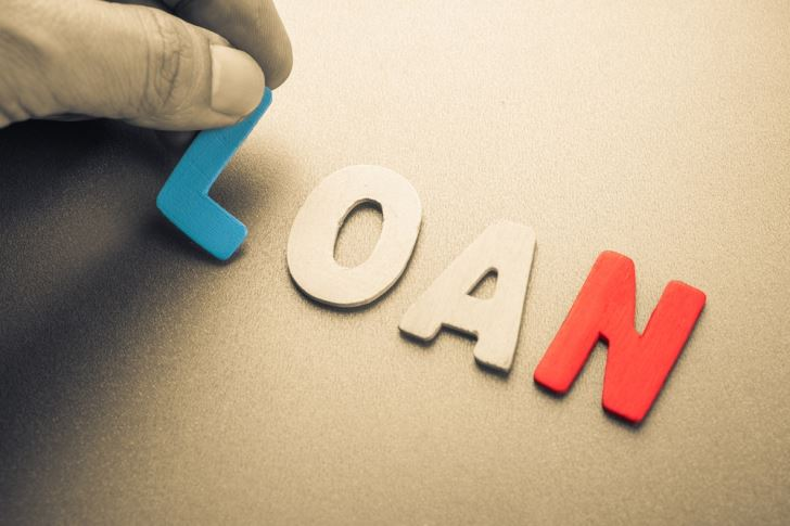 Online Service Offers Alternative to Fading Non-Traditional  Brick-and-Mortar Lenders