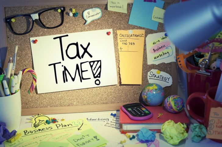 6 Ways to Dread Tax Season a Little Less