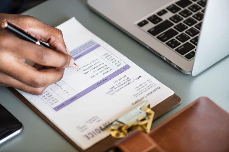 How Does an LLC Business Pay Taxes?